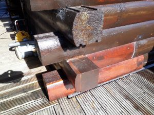 Corner repair to log cabin